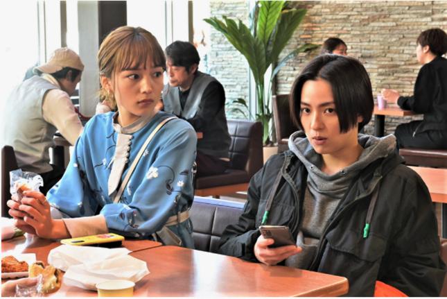 お互いの距離を縮める真柴と羽瀬(TBSの公式サイトより)