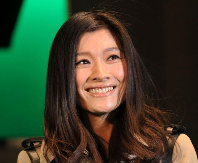 篠原涼子さん(写真:アフロ)
