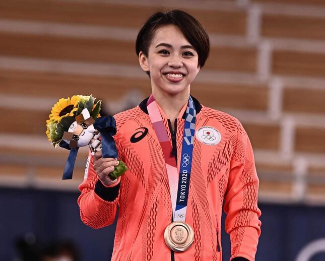 村上茉愛選手(写真:AFP/アフロ)が銅メダルを獲得した