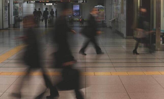 人との接触頻度をいかに減らすか(写真はイメージ)
