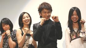「子猫の涙」出演者ら。左から、黒川芽以、紺野まひる、武田真治、「かわいい」と「大絶賛」だった藤本七海