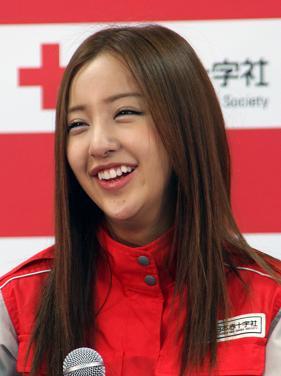 板野友美は「感極まり目頭が熱くなった」とブログにつづった(11年5月撮影)