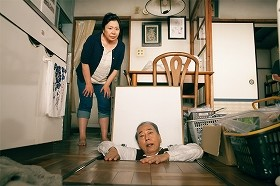 <団地> 昭和な空間「団地」で繰り広げられる珍騒動!夫が床下に閉じこもり・・・「殺されてるんじゃないの?」住民ヒソヒソ