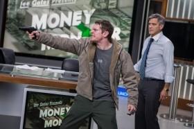 <マネーモンスター> 財テク番組うのみにして大損!自己責任かテレビの責任か・・・クルーニー、ロバーツ、監督ジョディ・フォスターの豪華競演