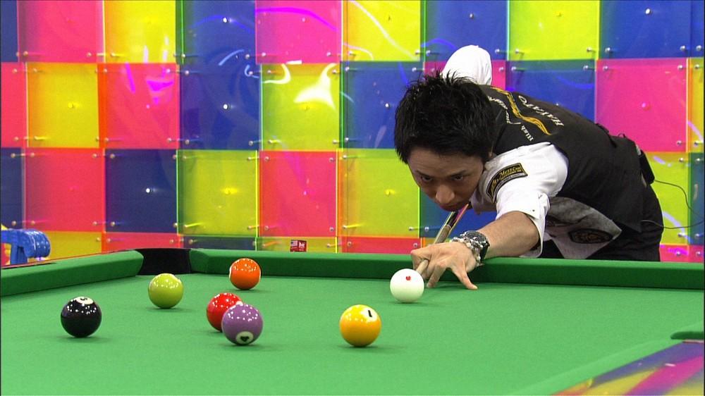 勝負の分かれ目は「1ミリ」ビリヤード土方隼斗選手の秘技!相葉雅紀が挑戦