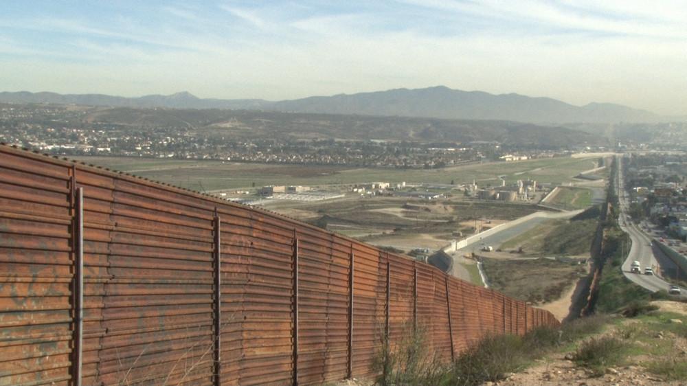 トランプ大統領就任に潜む「影」 移民政策に揺れる国境の町・ティファナ
