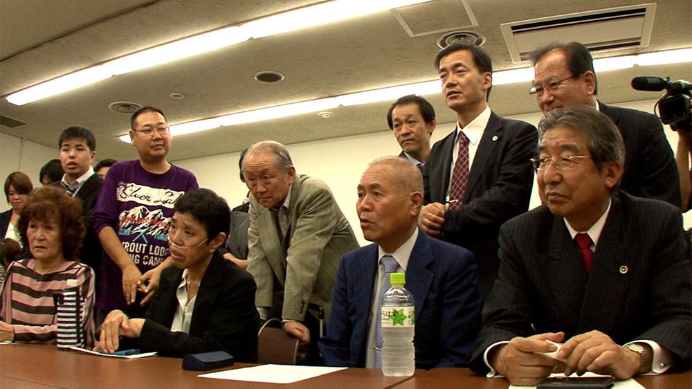 <ニッポン国VS泉南石綿村> 8年に及ぶ裁判闘争と被害者の心の叫びを記録 監督が見つめた平成日本の自画像は