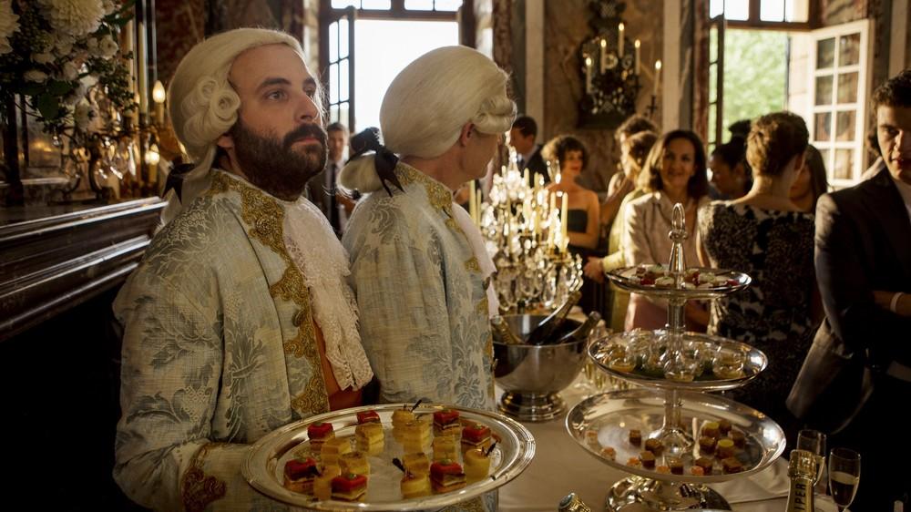 <セラヴィ!><br />もう、勝手な奴ばっかり!ドタバタ・ハチャメチャ「フランス古城の結婚式」ウィットきかせお洒落な喜劇