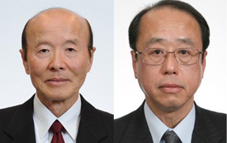 杉田和博官房副長官(左)と和泉洋人首相補佐官(右)(首相官邸ホームページより)
