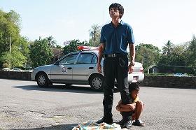 (C)2008 映画「闇の子供たち」製作委員会