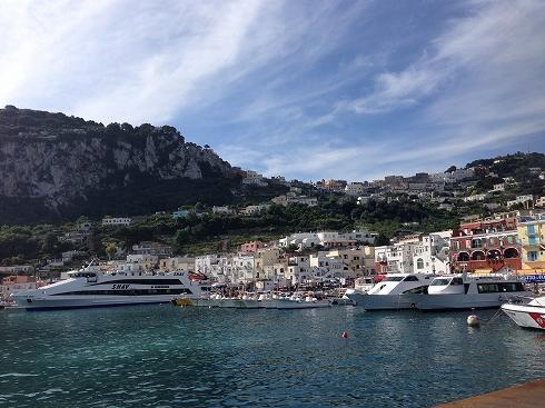 南イタリアの絶景の旅!青の洞窟、輝く太陽、美味しい魚...ローマ皇帝も魅了された「カプリ島」