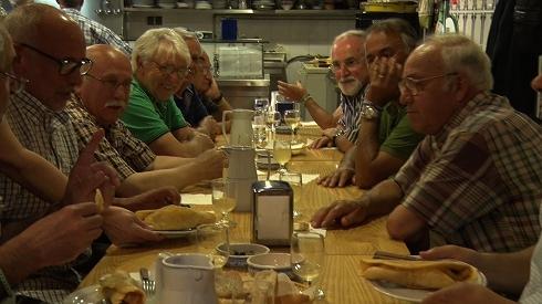 ポルトガルの港町・ポルトの1番入りにくい居酒屋! 「玄人好みのモツ料理」があなたをお出迎え